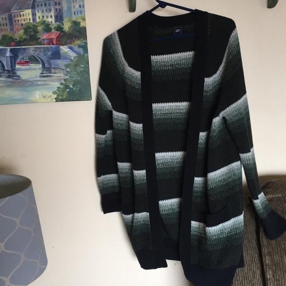 GAP Sweaters - Gap women's sz S cardigan sweater EUC